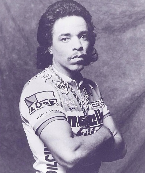Conked-and-kitted-Ice-T-gets-ready-to-Squeeze-the-Lever