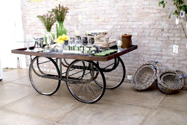 upcycled-bicycle-parts-turned-table