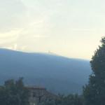 Blick auf dem Mont Ventoux im Licht der aufgehenden Sonne.